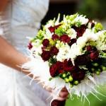 Svatební kytice-bordó 1290 Kč